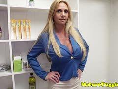 Stiefmutter Lutscht Ihrem Stiefsohn Den Schwanz